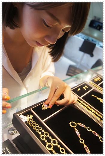 【gia鑽石】台中挑選結婚金飾,黃金和gia鑽石婚戒價格都很合理,朋友極度推薦的銀樓唷!
