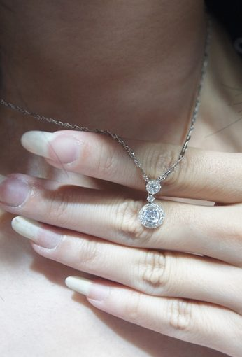 【大里GIA鑽石】銀樓買鑽石分享●推薦收購鑽石優良口碑金飾店∥鑽石、K金、黃金對戒通通都有!我想要的鑽石項鍊款式激多!