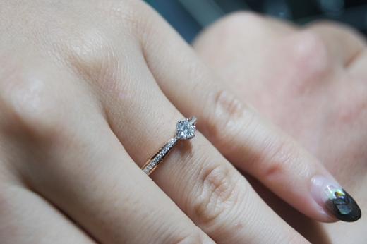 〈台中GIA鑽石〉再次心動!求婚鑽戒~好美好驚喜!!結婚戒指、對戒!來這裡挑選!專業~服務態度超好!