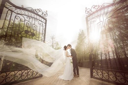 《台中婚紗推薦》一次就中~台灣婚紗公司-婚紗會館的手工訂製禮服超級吸引我,感謝禮秘推薦我那麼多好看婚紗!