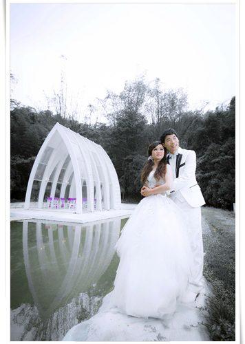 【彰化婚紗店】彰化這家婚紗公司的個人寫真和婚紗包套價格好優惠!化粧新祕也好厲害!網路上有不少他們家的優質評價,超美婚紗作品分享!
