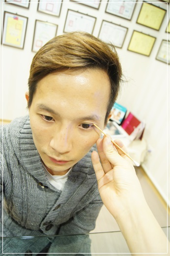 台中訂書針雙眼皮,台中整形診所雙眼皮,台中韓式雙眼皮,台中縫雙眼皮價錢