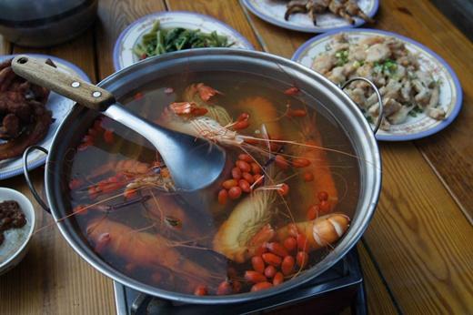 【新竹聚餐餐廳】新竹聚餐海鮮美食,黃金海岸活蝦之家食記,同學會囉~~~