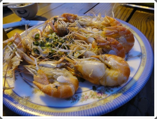 【新竹海鮮餐廳】新竹海鮮美食餐廳聚會首選,推薦美味無法檔的黃金海岸活蝦之家,超好吃的~