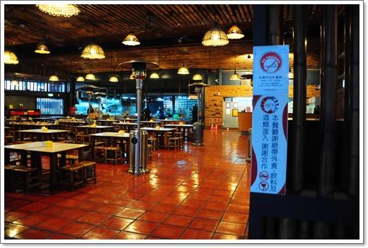 ⇅新竹美食推薦⇅新竹活蝦餐廳林立,還是黃金海岸的海產美食好吃,超適合全家大小一起來用餐,一點都不輸高級餐廳!!