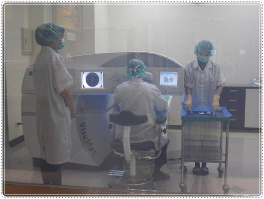 ●近視雷射手術●台中近視雷射手術權威醫師找台中微笑眼科~費用好公道,法拉利等級的近視雷射手術,完全無痛,恢復也超快的~~~~
