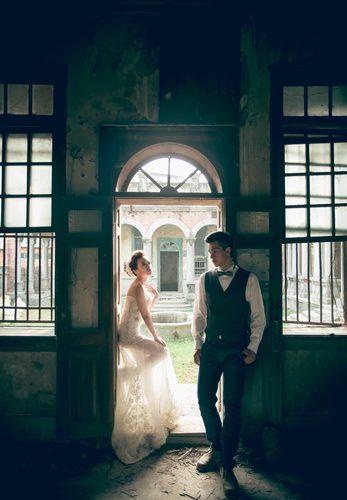 【彰化婚紗】婚紗攝影工作室讓我穿上我心裡要的【婚紗禮服】拍出我要的回憶!這家婚紗館的婚紗禮服質感不輸訂製手工婚紗!