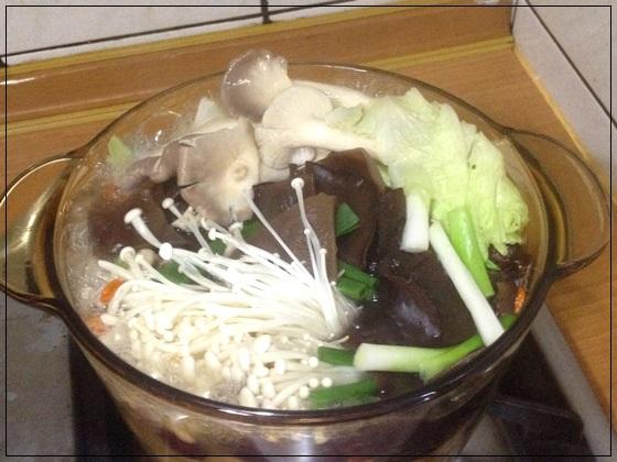 【網購養生火鍋推薦】我在家煮的原味養生火鍋湯底包,比藥膳火鍋材料包還要好吃呢~真的好美味唷!