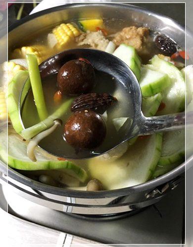 【火鍋湯底包】宅配好吃的天然火鍋湯底包介紹,很推薦這款養生火鍋,超銷魂的火鍋湯底,方便又好吃~~