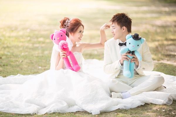 【彰化婚紗推薦】分享婚紗設計公司彰化員林婚紗館,婚紗攝影禮服全區全新不加價!好貼心~