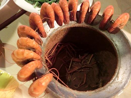 【新竹聚餐】到新竹活蝦專賣店大啖美食料理囉! 空間蠻大很適合當成慶生場地,生日聚餐就是要來這吃新鮮的蝦!!