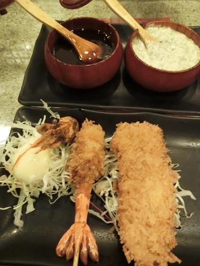 【台中燒烤推薦】台中精誠路有家日式餐廳好多網友推薦唷!!介紹好多朋友來吃都說是很厲害的串燒店呢~有太多選擇啦~~怎麼吃都不膩!