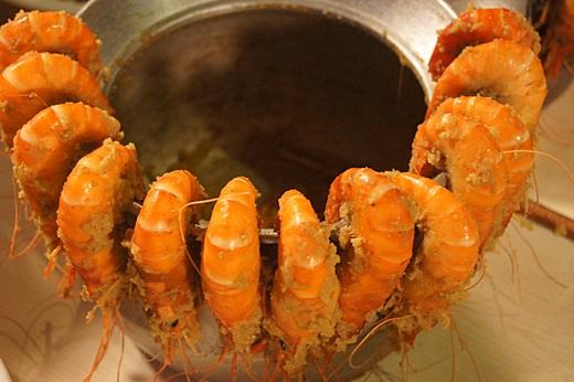 【新竹聚餐】這次新竹竹北國中的同學會聚餐來到竹北一間厲害的活蝦海鮮餐廳,是吃貨客戶推薦的活蝦海鮮美食首選!!