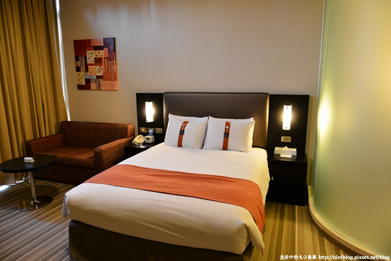 Holiday-Inn-Express-Taichung-Park-Hotel2