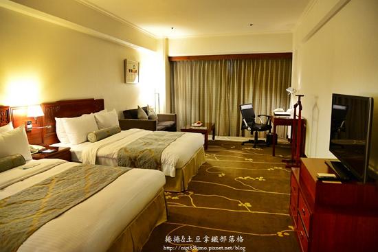 Howard-prince-hotel2
