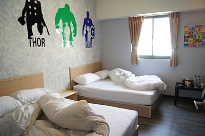 【高雄住宿推薦】感謝同學跟我分享高雄的日租民宿套房,房間的住宿價格超值,CP值也比較高~還有多款主題特色的房間超可愛的啦~