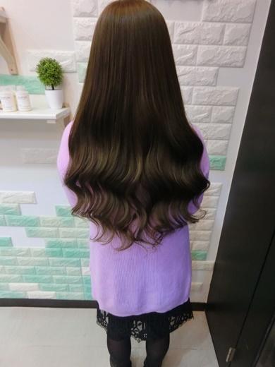 【台中接髮髮廊】超滿意在一中這家髮廊做的無痕接髮!是全台中髮廊接髮技術最高~採用最頂級的真髮片!接完髮片後造型多變外~無痛好清洗的專業接髮技術