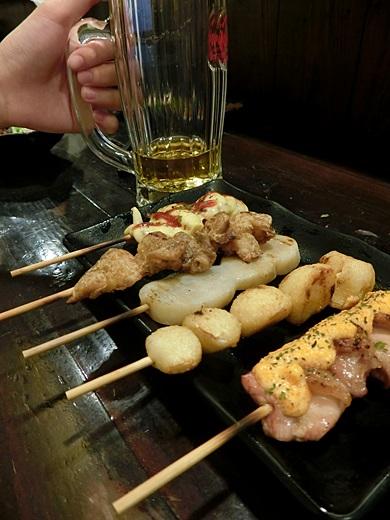 【台中燒烤推薦】位於熱鬧台中精誠路的日式美食餐廳推薦,多人聚會也很適合,男友推薦的2017年居酒屋料理~超道地啊!