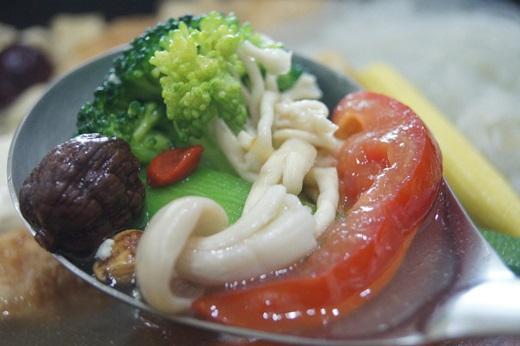 【團購美食介紹】好吃的養生火鍋湯底~真是太推薦了!超好吃的素食火鍋團購美食心得當然要分享阿!