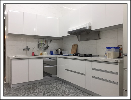 【高雄系統家具】高雄系統家具公司櫥櫃設計好美麗,參考過其它廚具工廠直營門市和流理台工廠,覺得他們的系統傢俱和廚具訂製價格和品質最實在~