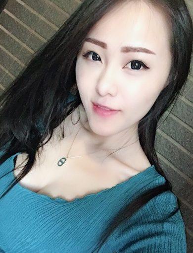 【台中飄眉】台中樂比專業的多層次飄眉,就連隱形眼線也是很多網友推薦首選,繡唇價格也超平易近人,韓式飄眉也好自然~~