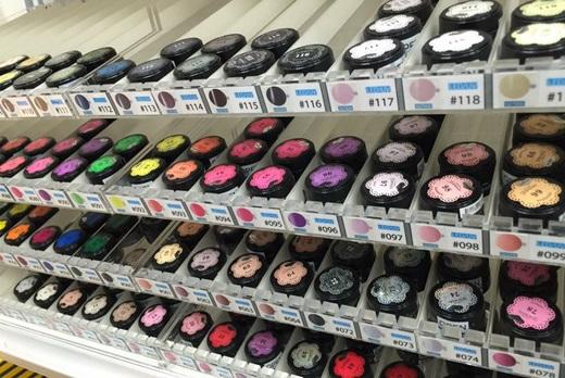 【台中指甲彩繪材料批發】這間凝膠指甲的材料有超多品牌,像ONS.OPI的美甲材料批發都有,想找Presto美甲材料專賣店絕不能錯過這◎採買指甲材料分享