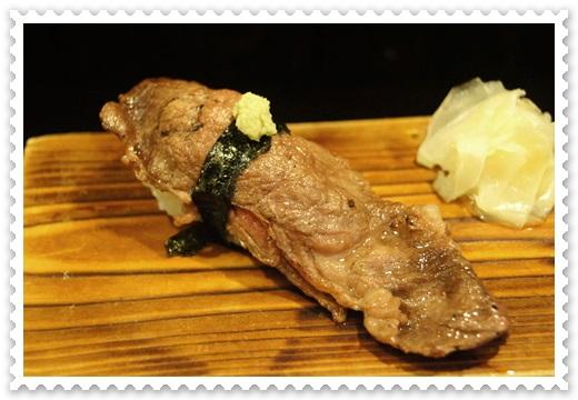 【燒烤店高雄】連服務也是道地日本味的高雄居酒屋~不僅料理好吃,價錢更實惠~超滿意的日式料理美食餐廳~超多人推薦評論的呢!!