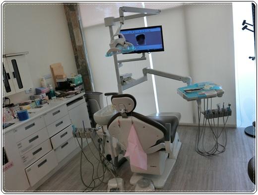 台北冷光牙齒美白+冷光牙齒美白方法+冷光牙齒美白費用+牙醫診所冷光牙齒美白+牙科診所牙醫讓我的牙齒白帥帥可以豪放大笑了