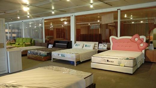 【乳膠床墊】推薦記憶床墊PTT上人氣品牌-獨立筒床墊一樣高品質|新北市傢俱店選購床墊首選※家具款式、床墊品牌都有眾多選擇