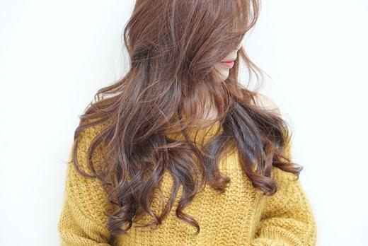 【燙髮+染髮】推薦台中行家出沒的美髮髮廊※美髮店那麼多~要找到一家技術和產品都頂尖的美髮salon實屬不易.但我確實找到各方面都滿意的台中髮廊啦!