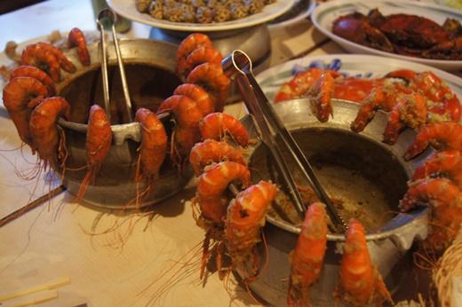 【新竹餐廳】推薦必訪火鍋餐廳之一!這家美食餐廳超級適合聚餐的●PTT上超多人在討論的竹北活蝦餐廳※超多的蝦蝦蝦!春酒.尾牙新竹首選