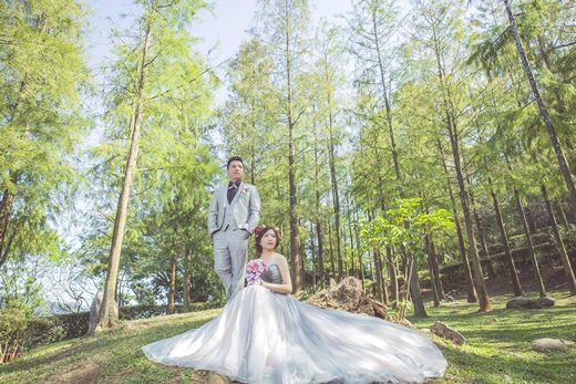 【台中婚紗】推薦台灣婚紗公司~我找到一間評價超高!比較許多間手工婚紗公司※手工婚紗的選擇性多到讓我心醉※小女我的私心推薦小分享喔!