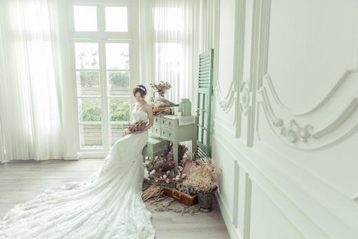 【台中婚紗】禮服出租→婚紗店推薦▲頂級手工禮服加上細膩拍攝手法的絕讚台中婚紗公司