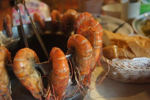 【新竹美食餐廳】聚餐哪裡吃?竹北好吃到會後空翻的活蝦餐廳~聽朋友說他們同事聚餐每次都吃不膩!!是真的超好吃啊!!