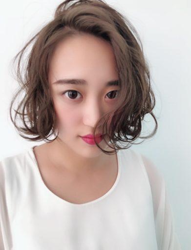 【台中燙髮】厲害的髮廊推薦來了!空姐空少最愛的美髮沙龍、設計師介紹※雖然永遠都是大地色系染髮~但依然每次都會耳目一新呢!
