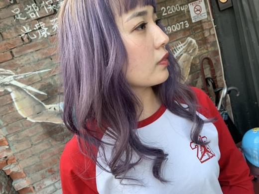 【台中豐原染髮】燙髮技術一流,髮色設計一級棒!髮型設計師根本就是頭髮的魔術師※美髮沙龍就是要找這種實力派~~