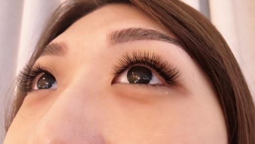 台中接睫毛、種睫毛價格優惠、技術厲害的美睫店》推薦Double Q極緻美學★打造女神般的無辜放電雙眼