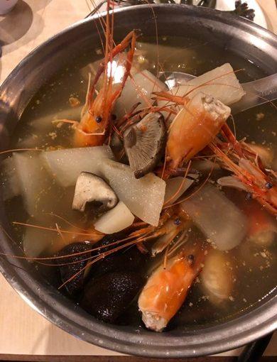 【新竹聚餐餐廳】鮮蝦飽滿!現撈新鮮活蝦!! 新竹竹北必訪,座位廣大,聚餐首選~新竹海鮮餐廳推薦心得