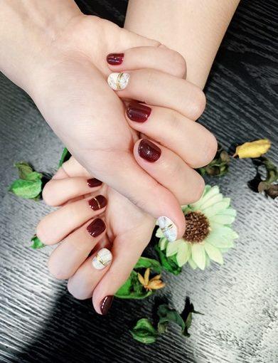 【台中】好喜歡在樂比美甲做的光療指甲!今年最流行的大理石紋指甲就是美!還有很棒的手足保養喔!