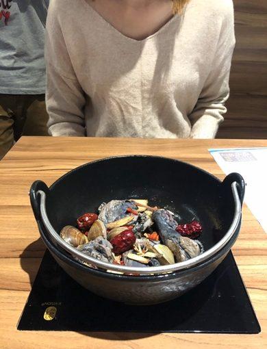 台中餐廳+一中火鍋+美食+小火鍋+食材新鮮+烏骨雞火鍋+新開幕人氣超旺+最流行+價卻擁有高質量!
