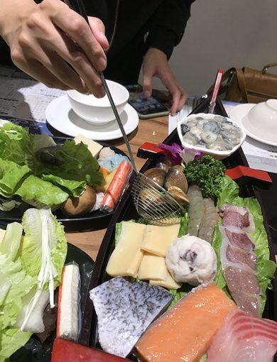 美食版激推!一中CP值超高火鍋餐廳,健康養生湯頭海陸通吃!台中人最愛的這一味