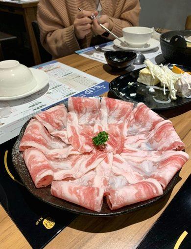 台中餐廳|美食就在一中街!網路鄉民都在推的熱門涮涮鍋!聚餐就來這~