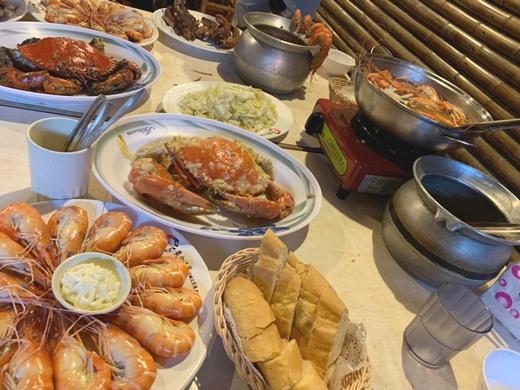 【新竹餐廳】十人份海鮮套餐,活蝦超美味!竹北熱門聚餐地點~打卡拍網美照!