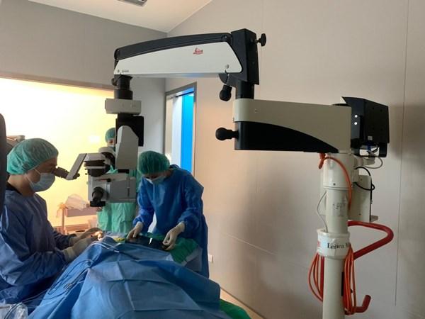 (新竹白內障手術) 費用很優惠耶!眼科醫師重磅使用最快速、安全的白內障技術,價格親民推薦!