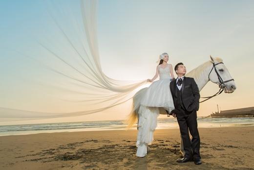 ❣台中婚攝推薦❣終於找到台中婚攝最推薦的婚紗公司,就是台中知名婚紗攝影公司,她們的手工婚紗禮服超夢幻,完全是我的命定婚紗!!