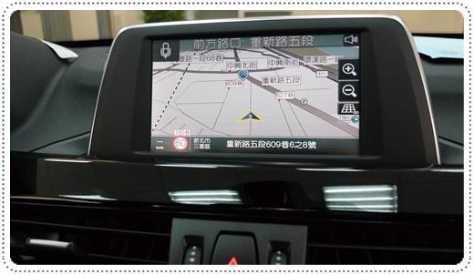 【台中行車紀錄器專賣店】台中師傅對於數位電視+衛星導航+行車紀錄器的安裝手法很熟練,店家也不會強迫推銷,感覺很不錯。