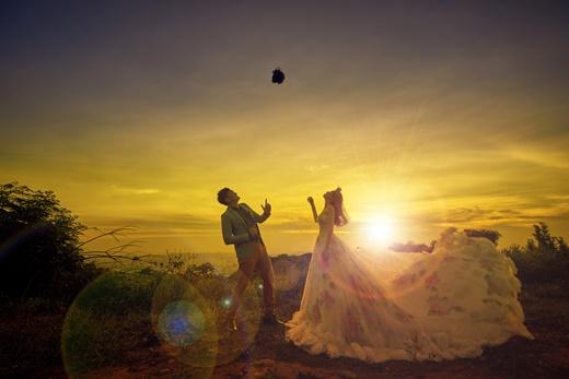 【台中婚紗推薦】台灣婚紗提供的婚紗禮服出租質感和包套服務內容,是只有親身感受才能知道的高品質,更是我們唯一參考的台中婚攝。