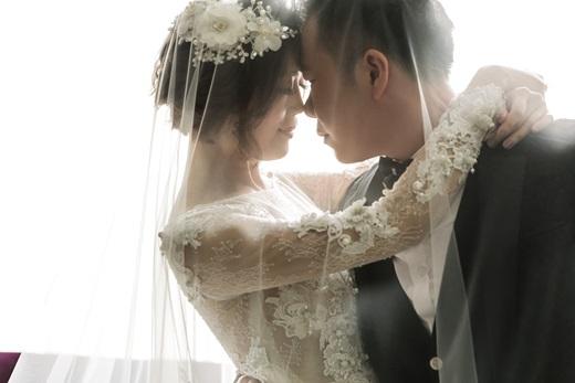 【台中禮服出租】分享我們愛的紀錄!介紹不管是手工訂製禮服還是其他婚紗禮服都很有質感的台中婚紗攝影公司,評價相當高唷!