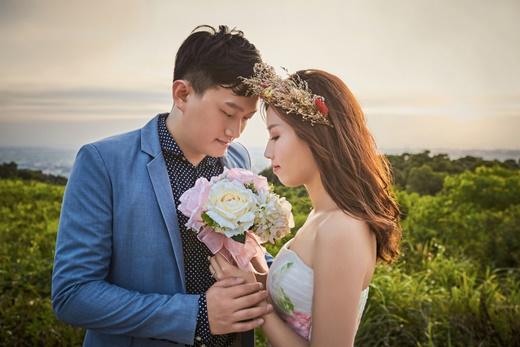 【台中婚紗推薦】台灣提供婚紗禮服出租質感和包套服務內容的公司推薦,我們唯一參考的台中婚攝推薦公司,婚紗的服務是只有親身感受才能知道的高品質。