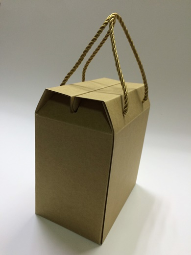 【台中紙盒包裝工廠】台中有一家專業的包裝紙盒印刷工廠,請他們客製化的牛皮紙盒雖然外觀很樸素,但是質感真的很好耶!報價也很清晰不模糊!